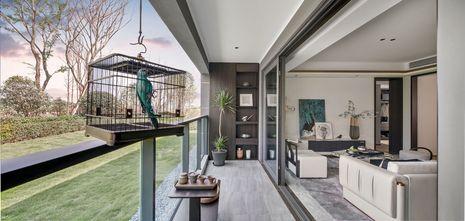 富裕型110平米三中式风格阳台装修图片大全