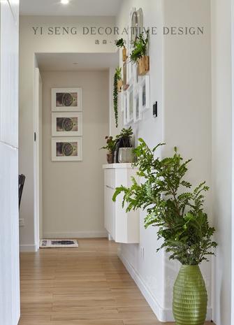 10-15万120平米三室两厅现代简约风格走廊装修案例