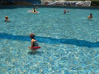 东方星园游泳池