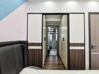 经济型120平米三室两厅现代简约风格衣帽间设计图