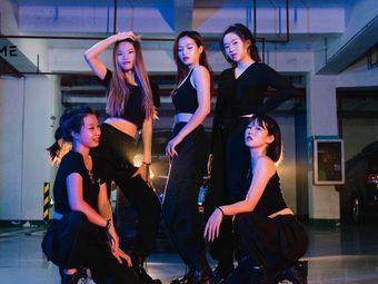 R T逆时光舞蹈室(东城万达店)