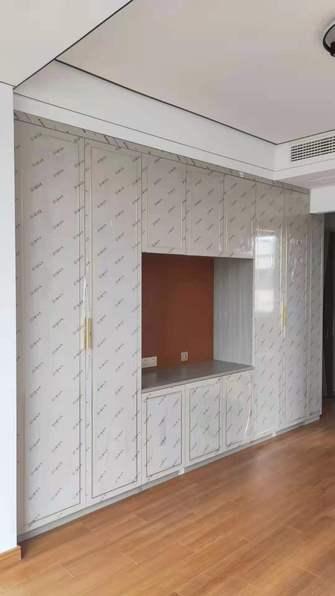 现代简约风格卧室图片