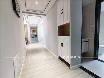 10-15万130平米三室一厅现代简约风格走廊图