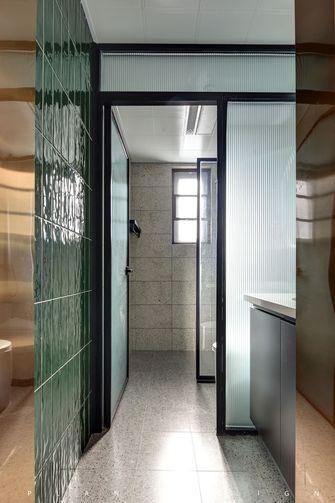 三室两厅欧式风格卫生间效果图