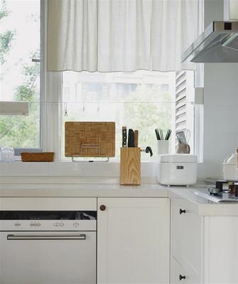 三室两厅现代简约风格厨房图片
