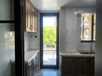 富裕型100平米三中式风格厨房图片