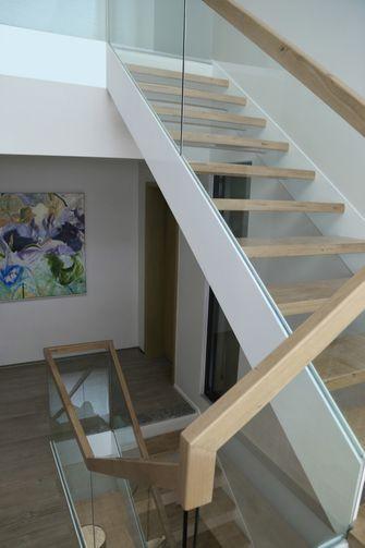 20万以上140平米复式现代简约风格楼梯间欣赏图