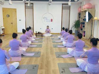梵林中式瑜伽