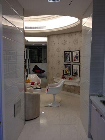 30平米超小户型现代简约风格客厅设计图