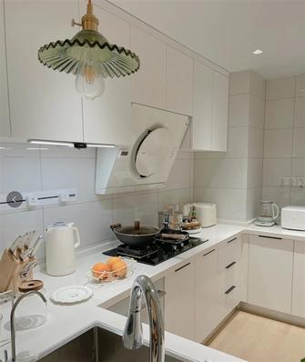 三室两厅现代简约风格厨房图片大全