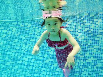 鲲贝国际亲子游泳