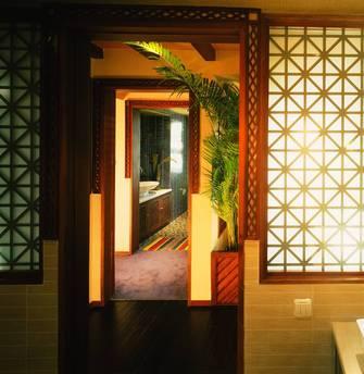 140平米四东南亚风格客厅欣赏图