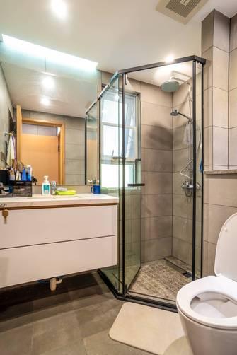 15-20万140平米复式现代简约风格卫生间装修案例