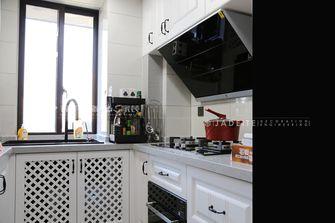 130平米三现代简约风格厨房效果图