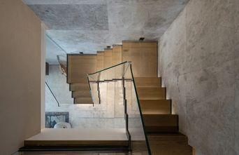 15-20万140平米三室两厅现代简约风格楼梯间装修效果图