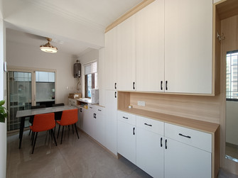 10-15万80平米三室一厅现代简约风格玄关装修图片大全