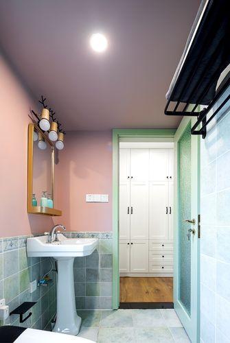 富裕型100平米三室两厅混搭风格卫生间效果图