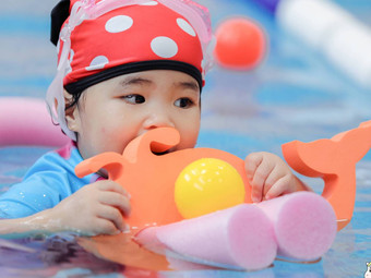 裴伽国际亲子游泳俱乐部