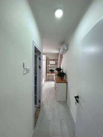 经济型120平米三室三厅现代简约风格走廊图片