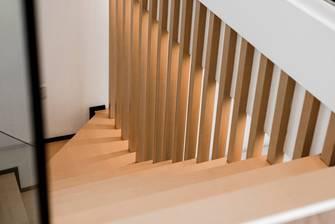 130平米三室两厅混搭风格楼梯间图