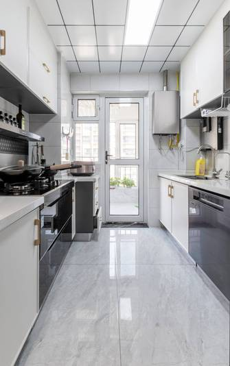 10-15万120平米三室一厅轻奢风格厨房欣赏图