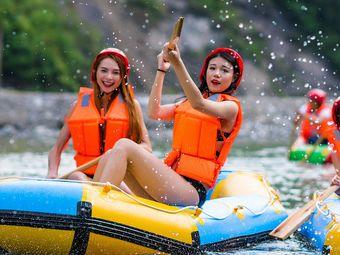 杭州青龙峡探险漂流游乐园