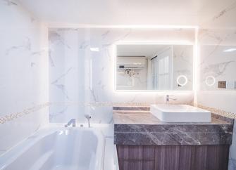 富裕型110平米三室两厅美式风格卫生间效果图