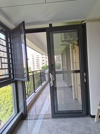 10-15万140平米三室两厅现代简约风格阳台图片大全
