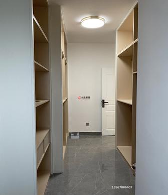 120平米四室两厅轻奢风格衣帽间装修图片大全