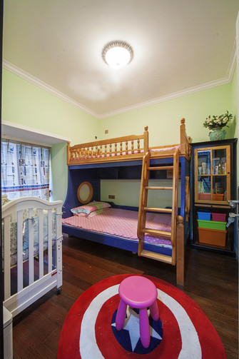 经济型110平米三室一厅地中海风格客厅欣赏图