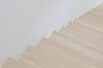 110平米三现代简约风格楼梯间图