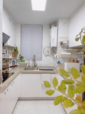 富裕型110平米三室一厅日式风格厨房装修效果图