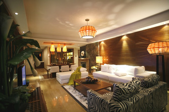 140平米四东南亚风格客厅装修案例