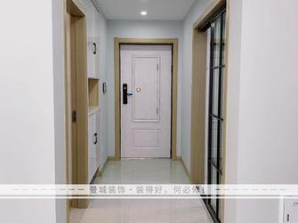 10-15万70平米现代简约风格走廊装修案例