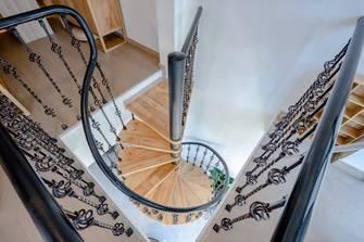 富裕型100平米三室两厅美式风格楼梯间设计图