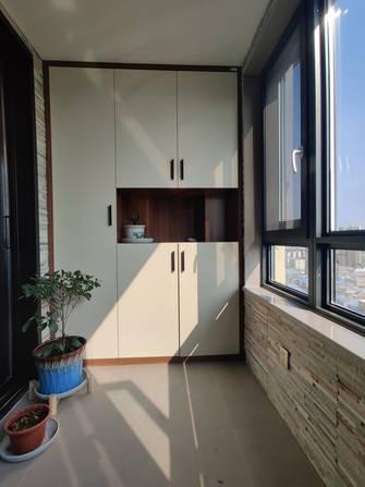 130平米三室一厅轻奢风格阳台装修图片大全