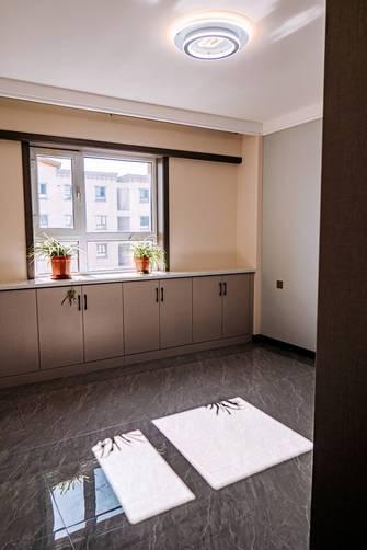 经济型90平米三室两厅现代简约风格卧室图