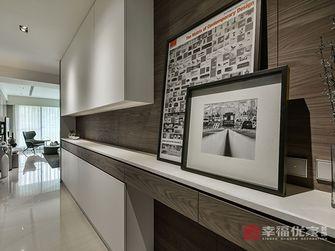 15-20万120平米三室两厅现代简约风格玄关设计图