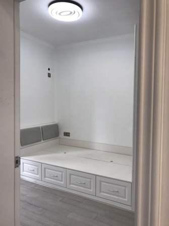经济型100平米三室两厅现代简约风格卧室图片大全