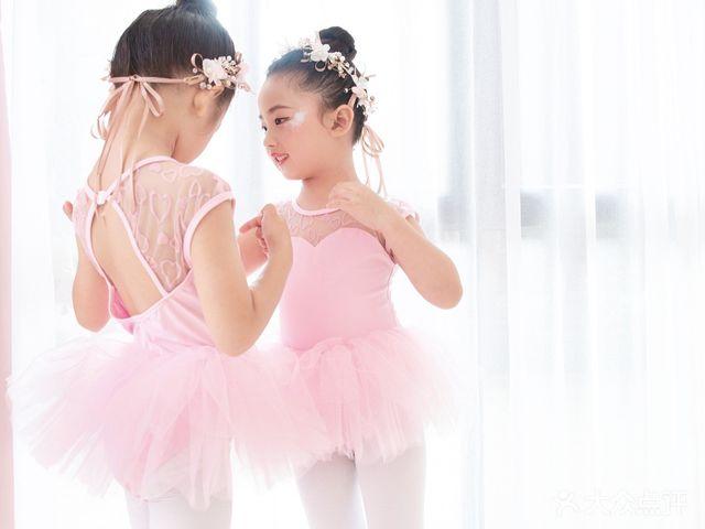 朵拉舞蹈(万达公馆校区)
