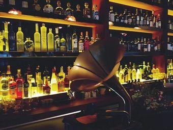 Attraction Bar引力酒吧