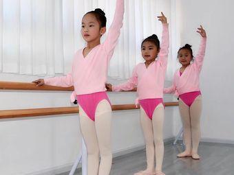 多艺舞蹈艺术学校