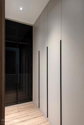 富裕型130平米三室两厅现代简约风格衣帽间装修图片大全