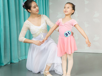 Isee灰姑娘国际儿童舞蹈艺术中心全国连锁(TOUCH12街店)