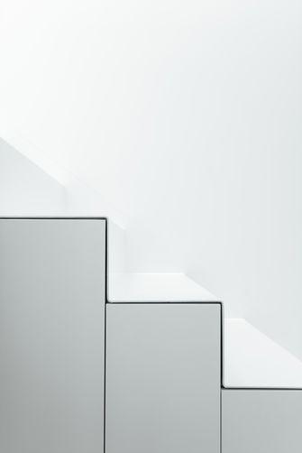 豪华型140平米四室三厅现代简约风格楼梯间效果图