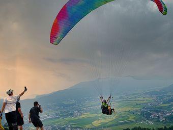 黑麋峰滑翔伞基地·网红打卡地