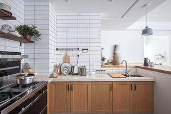 富裕型110平米三日式风格厨房装修效果图