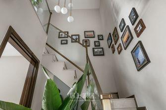 美式风格楼梯间图片