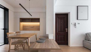 90平米三现代简约风格玄关设计图