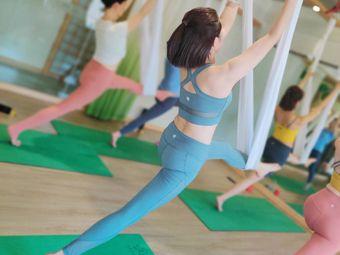 相应理疗瑜伽运动矫形中心(万科店)